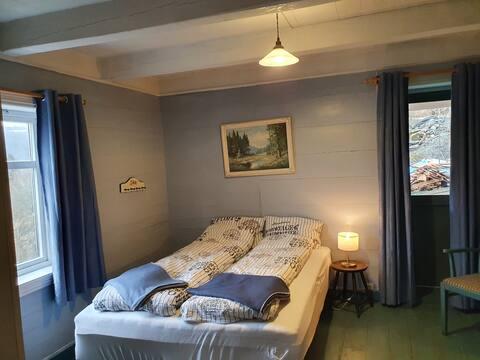 Koselig leilighet i kårhus på gårdstun