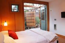 cozy + hip garden studio in Northpark