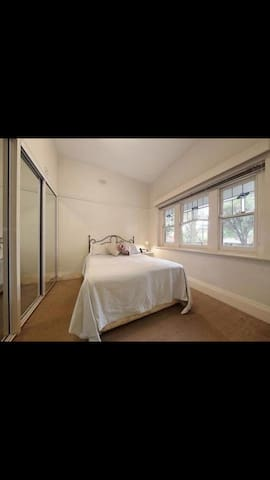 Private very large double room
