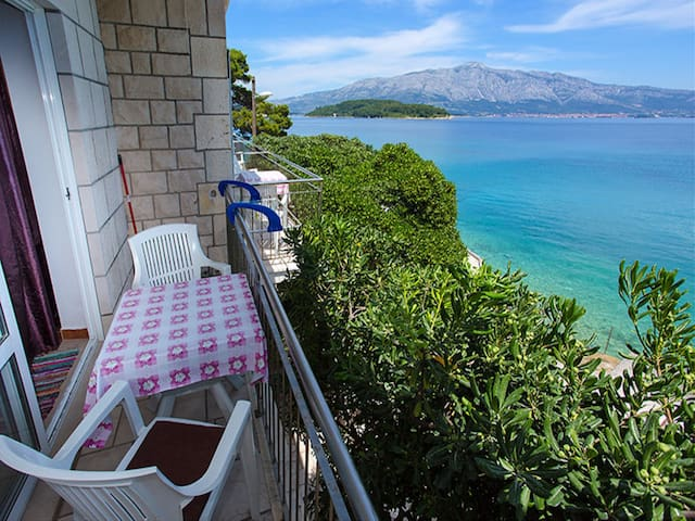 Apartments Nikolina - Studio with Sea View for 3