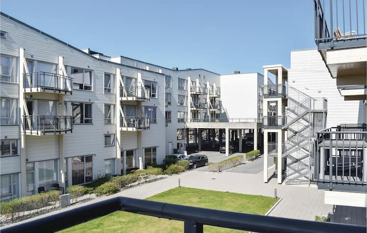 Stunning apartment in Lindesnes with WiFi and 2 Bedrooms