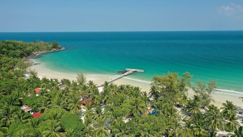 Bamboo Bungalow on idyllic Coconut Beach