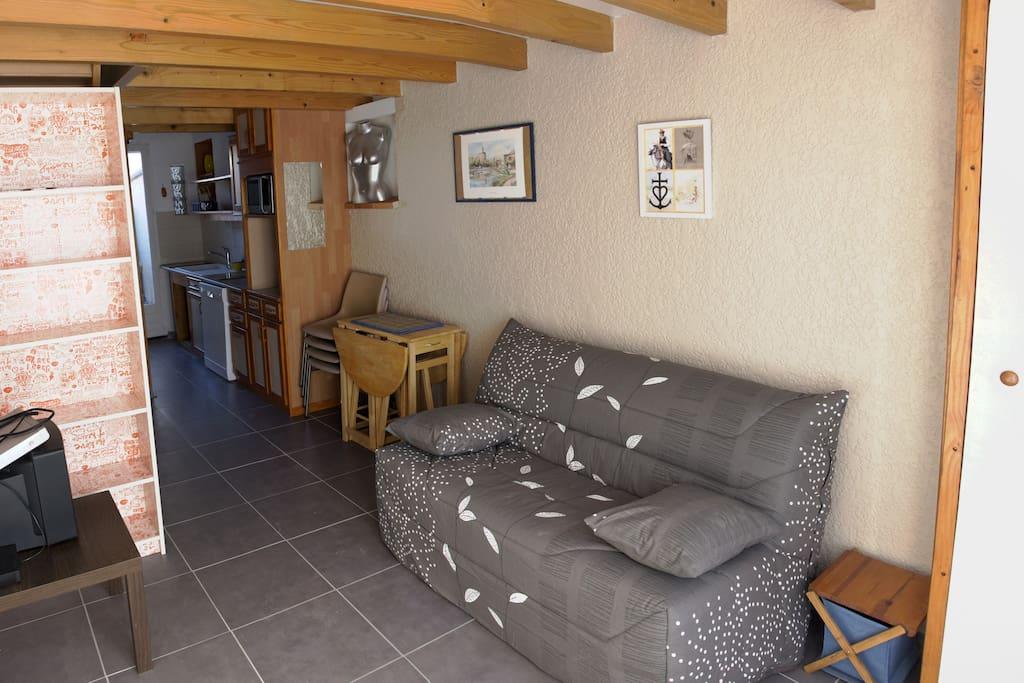 Arles duplex porte de la camargue houses for rent in - Hotel porte de camargue arles provence ...