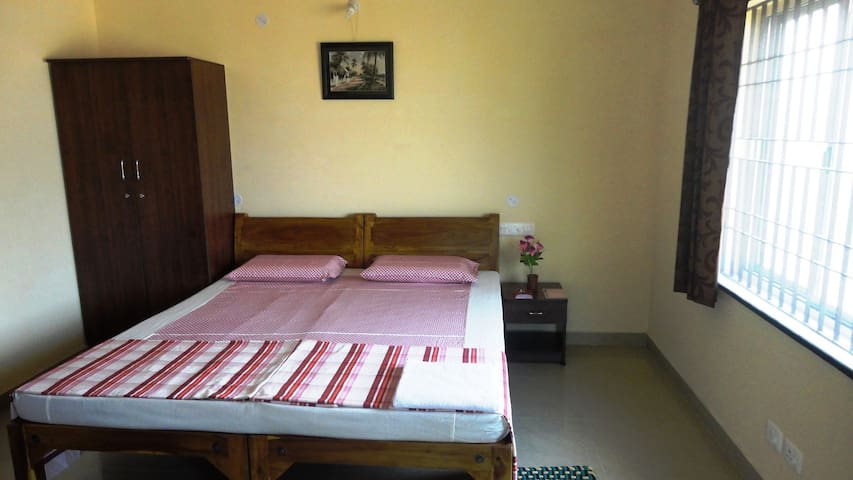 Non AC rooms, Auroville,Pondicherry - Apartemen
