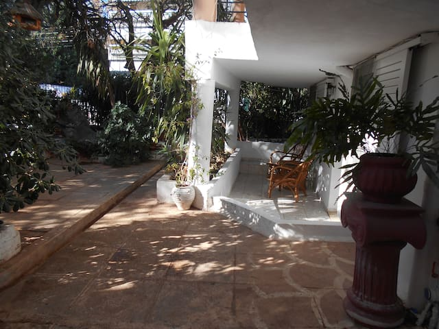 Relax in quiet, green and friendly place in Voula - Voula - Appartement