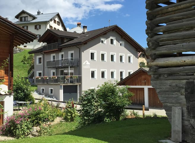 Casa Radieni in Flond GR, Nähe Flims/Laax - Flond - Apartamento
