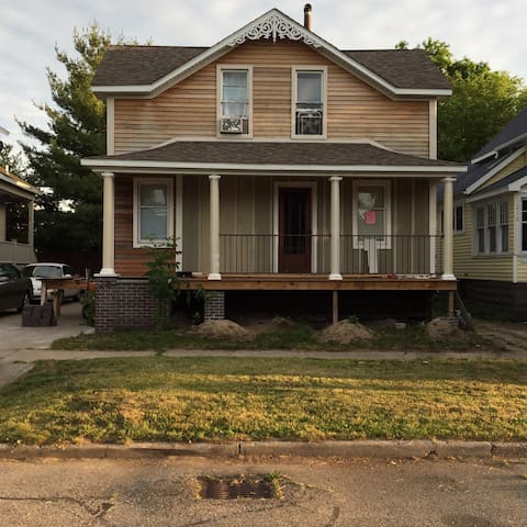 Rental house near downtown GH - Grand Haven - Hus