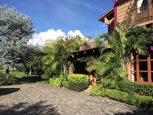 Casa amplia ideal para familias - Malinalco - Hus