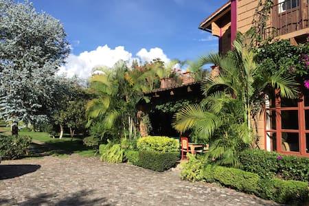 Casa amplia ideal para familias en Malinalco Mex