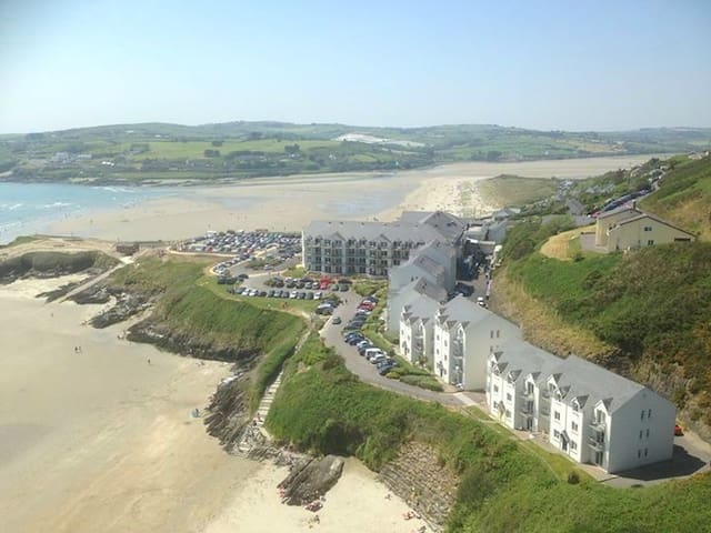 Inchydoney Top Floor Beachfront Apartment - Inchydoney - Flat