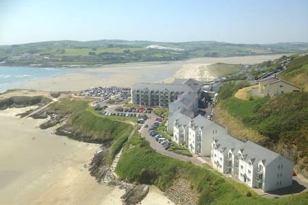 Inchydoney Top Floor Beachfront Apartment - Inchydoney
