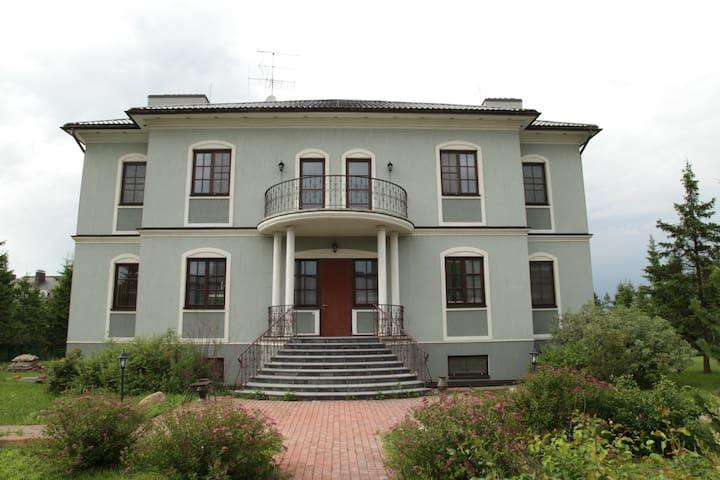 Великолепный дом для торжества - Usovo-Tupik - Hus