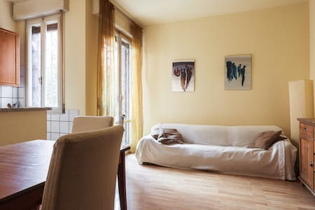 Accogliente camera con letto a una piazza e mezza - Болонья - Квартира