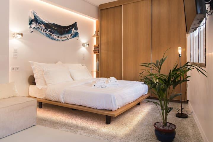 New Luxury Apts - Historic Center - No 4: PAEONIA