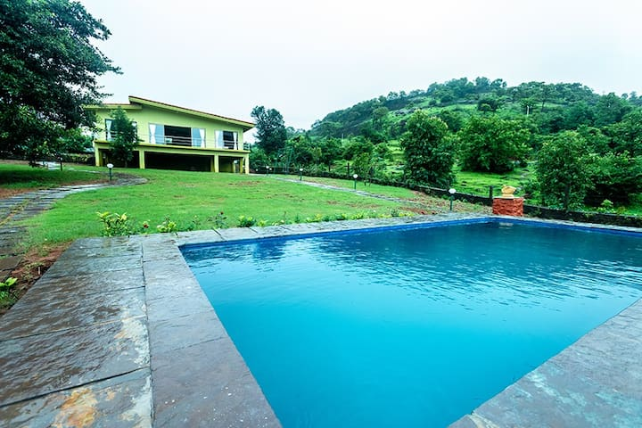Shivom 1 -3BHK Private pool villa with lake view