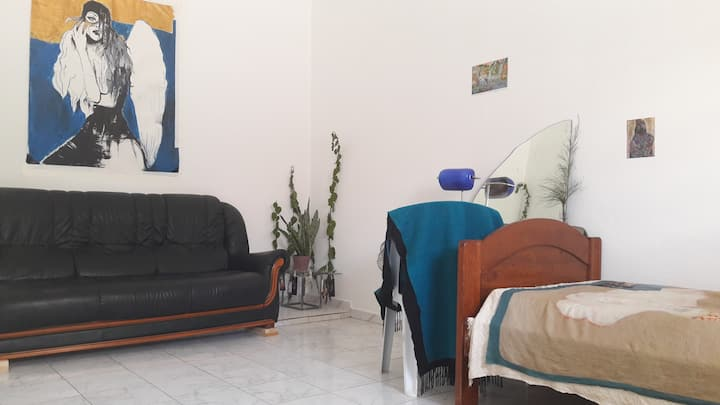 Cosy and big room in La Marsa