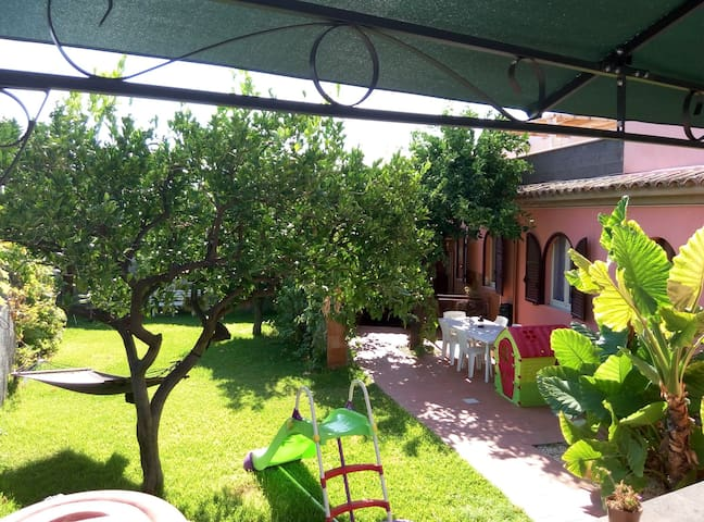 Casa Vacanze Noemi (Taormina 20km Etna 25km Eolie) - Riposto - Casa de campo