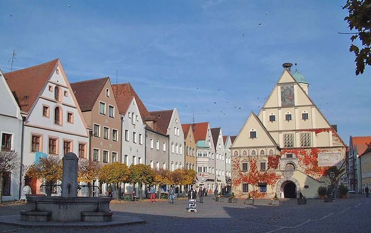 Gemütliche Wohnung mit Holzofen - Weiden in der Oberpfalz - Apartemen