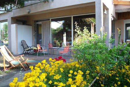 Maison avec terrasse privée au coeur de la ville - Thiers
