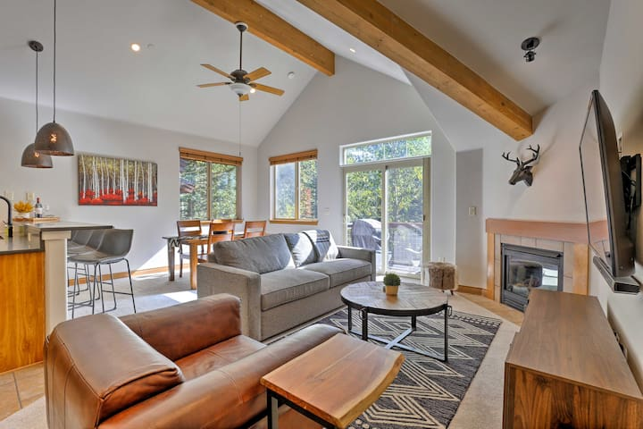NEW! Chic Silverthorne Condo, Steps to Blue River!