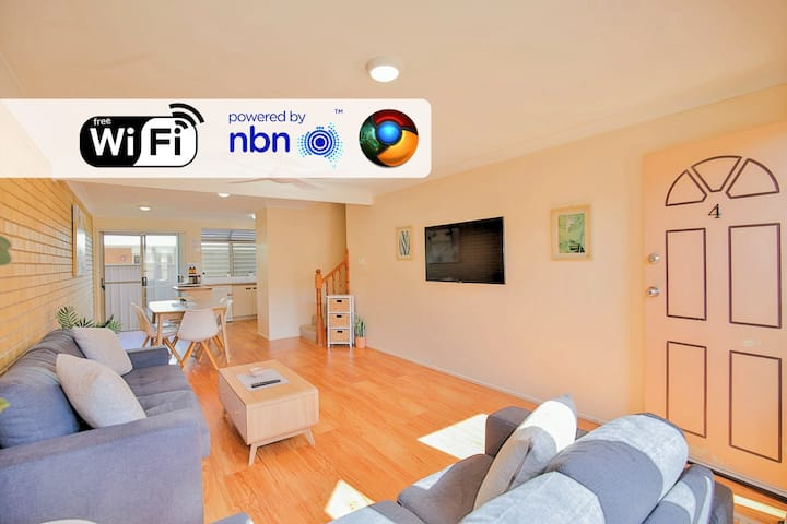 Centrally located Townhouse with NEWLY installed air-con in ALL 3 bedrooms!