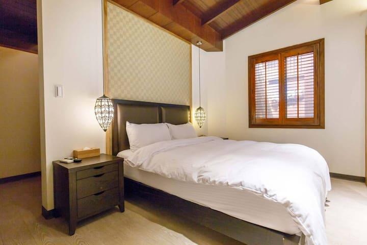 特價活動!私人室內溫泉溫馨雙人房private indoor hot spring/石房