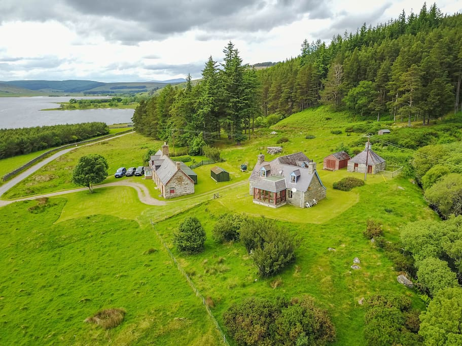 Tranquil Traditional Highland Cottage Houses For Rent