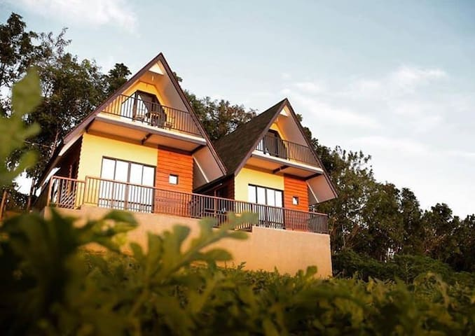 Calm & Cozy Villas in Farm Breeze - Taal