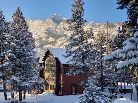 Blackwolf Rocky Mountain Retreat