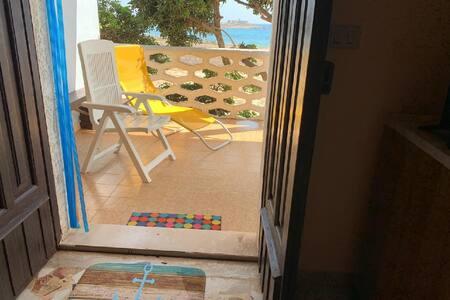 Villa Fascinosa mit Meerblick und 50 mt zum Strand