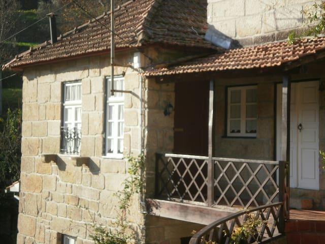 Mr. Romeo's House - Viseu - House