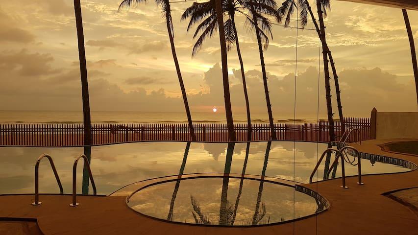 Ingels Palm Villa - Absolutely Beachfront - Wadduwa - Villa