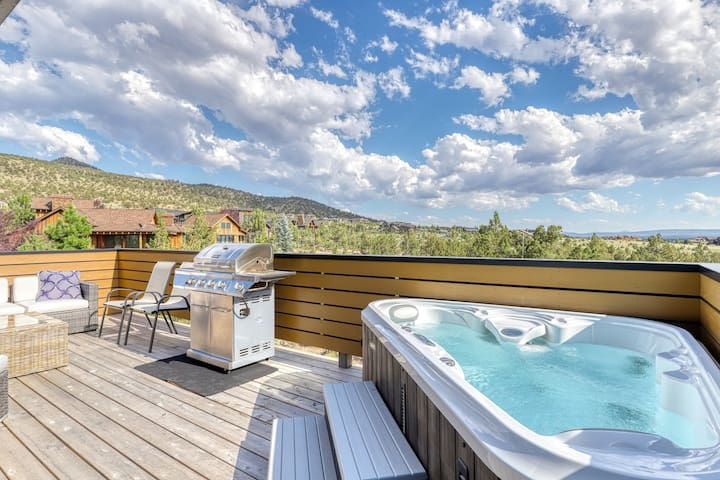 New listing! Brasada Ranch Resort guest house w/ private hot tub & shared pool