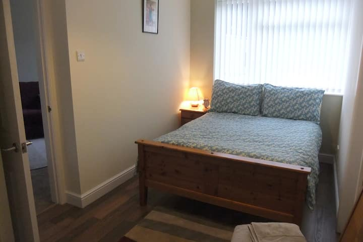 Self contained, separate, private Studio. Sleeps 2