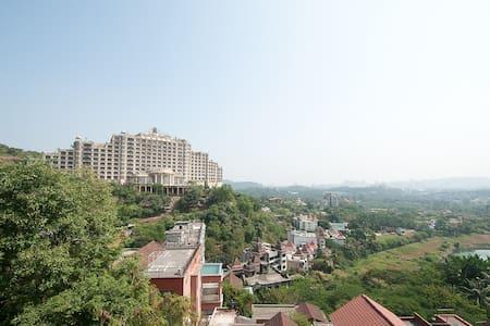 Luxurious Villa in Heart of Mumbai - Mumbai