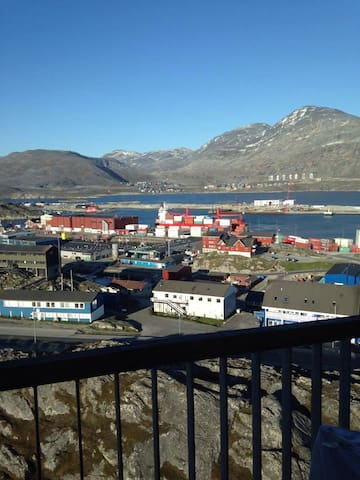 Central room with a fantastic view - Nuuk - Apartament