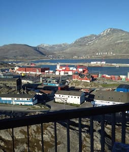 Central room with a fantastic view - Nuuk