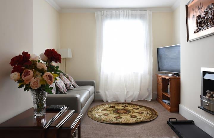 Beautiful , stylish apartment in Leamington Spa