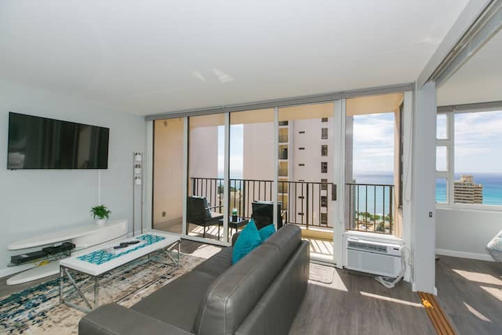 NEW!Ocean views! Waikiki Beach FREE PARKING & WIFI
