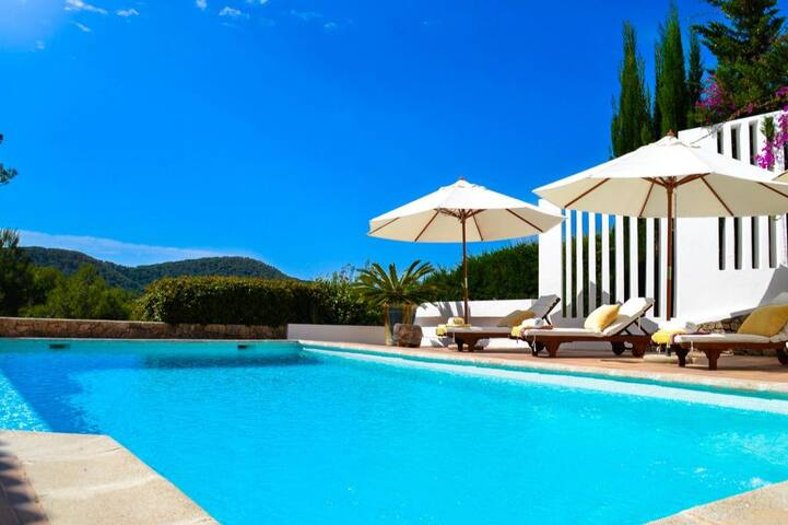 Wonderful Villa in Ibiza - Can Furnet - Huvila