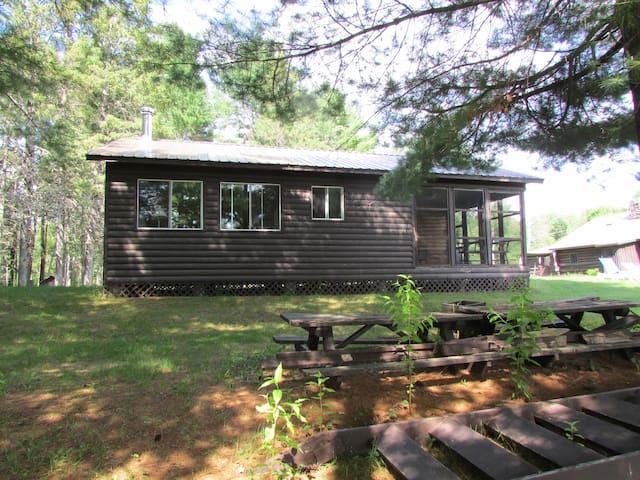 Drs Island Cottages . The Dr  keenan cottage .