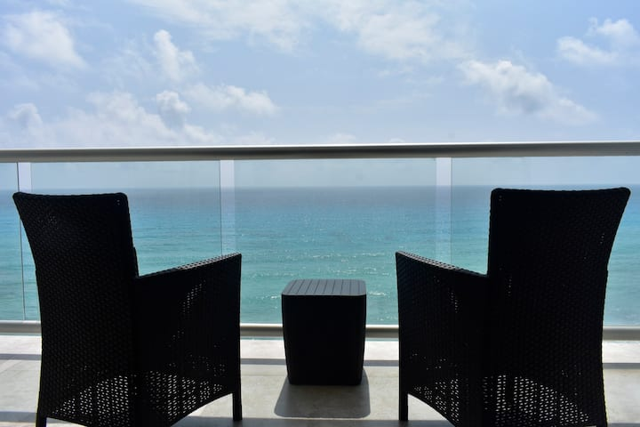 Loft vista al mar caribe y playa/ BEACH FRONT 1F