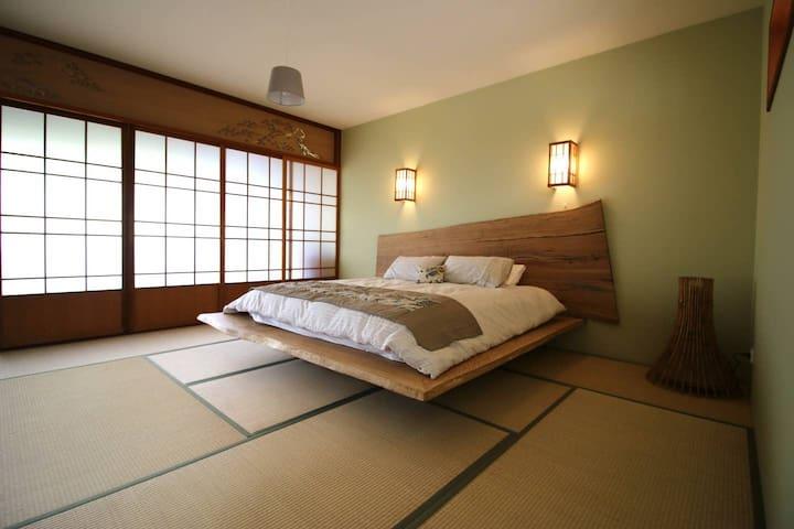 Coastal Japanese Style Garden Room Pine for 2