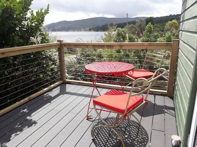 Sandbraes farmstay Double & twin, seaview balcony