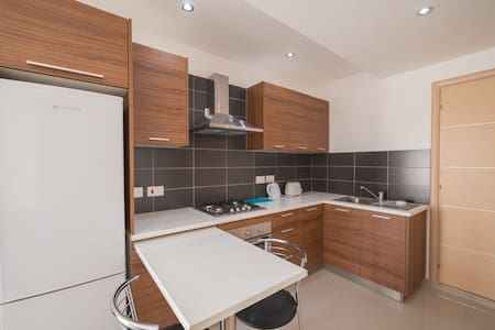 The ideal central Holiday Apartment - Is-Swieqi - Huoneisto