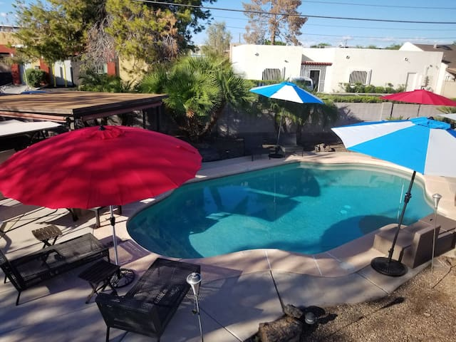 Scottsdale Old Town Heated Pool & Hot Tub. No FEES
