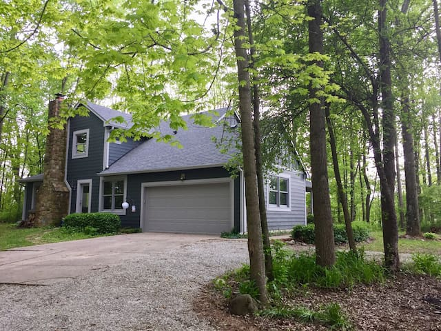 Wooded Private Retreat in historic town