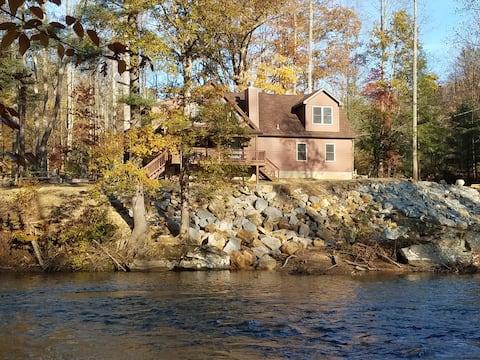 Studio apartment on the Buckhannon River