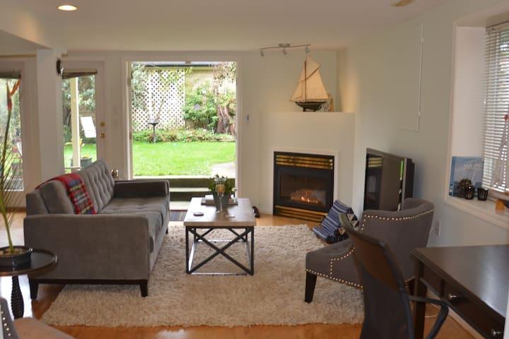 Well-appointed quiet modern 1 bedroom garden suite