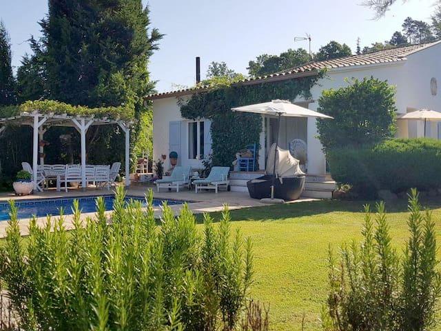 Modern farmhouse suitable for 12 people in Caldes de Malavella